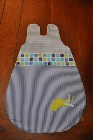 Un cadeau de naîssance pour un petit garcçon... dans Couture DSC_0188